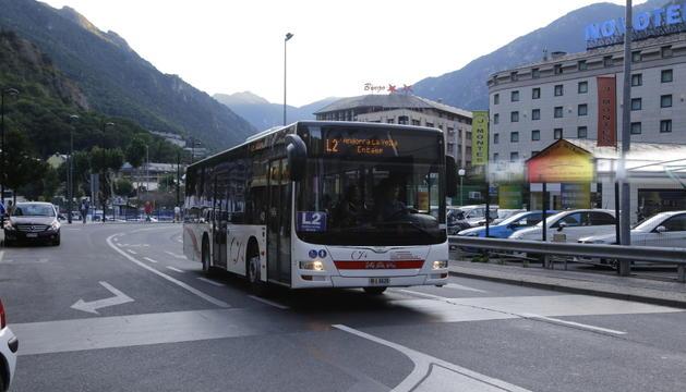 Jover espera solucionar les queixes de pares pel transport públic