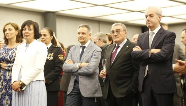 L'ambaixador espanyol amb els ministres Gilbert Saboya i Carles Álvarez.