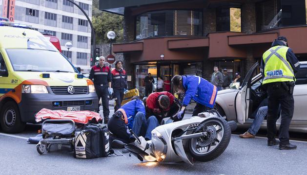 El conductor ha estat traslladat a l'Hospital de Nostra Senyora de Meritxell on es troba en observació a causa de diverses contusions i serà ingressat a planta