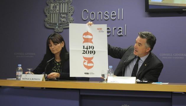 el síndic Vicenç Mateu i la subsíndica Mònica Bonell durant la presentació dels 600 anys del Consell de la Terra