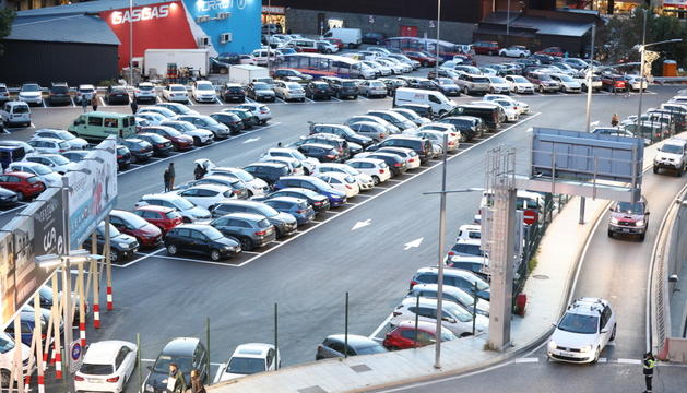 Els aparcaments de les parròquies centrals s'omplen en períodes de màxima afluència.