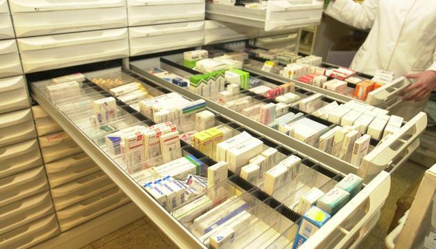 Un establiment farmacèutic del Pas de la Casa.