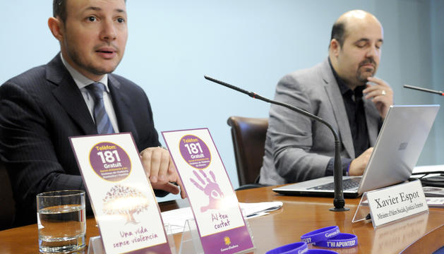 El minstre Xavier Espot i el president del MoraBanc, Gorka Aixás, durant la presentació de la campanya