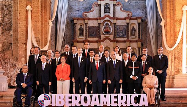 Foto dels caps d'Estat i de Govern de la Cimera Iberoamericana