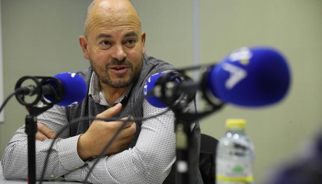 Jordi Torres als estudis de la ràdio del Diari.