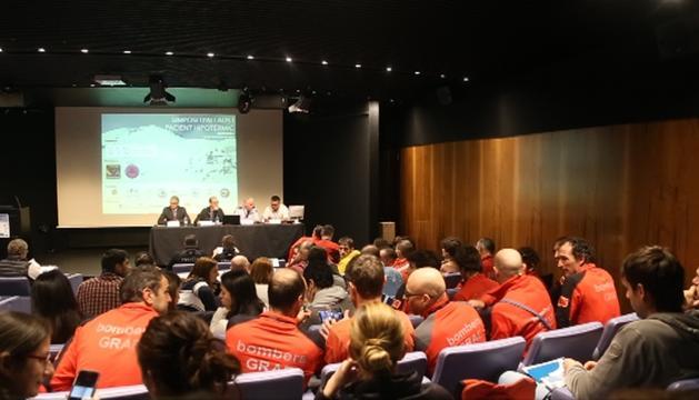 Assistents a la conferència sobre simposi d'allaus i pacients hipotèrmics