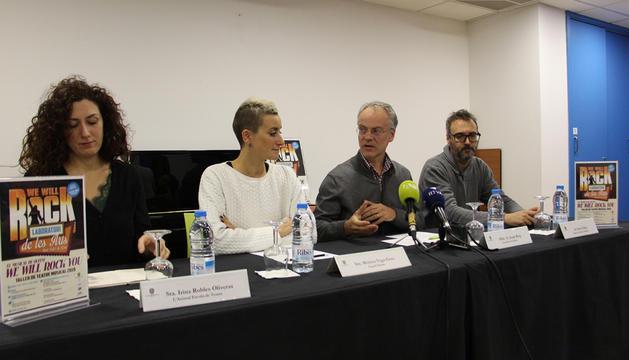 Robles, Vega, Roig i Vilella, a la presentació de la proposta.