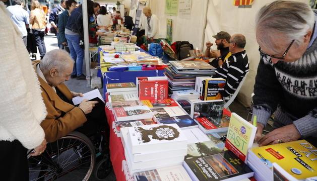 Taula rodona sobre edició al país