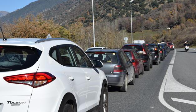 Durant el matí s'han arribat a registrar fins a 12 quilòmetres de retencions per accedir al Principat a la frontera hispanoandorrana