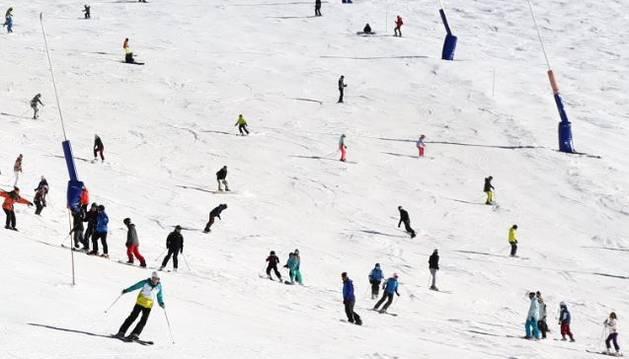 L'estació d'esquí penja el cartell d'aforament complet