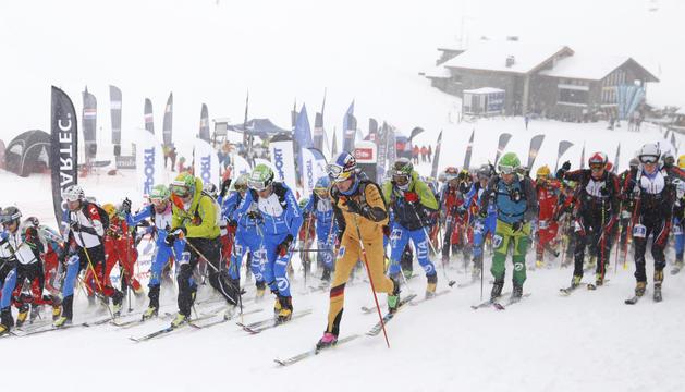 Una prova d'esquí muntanya.