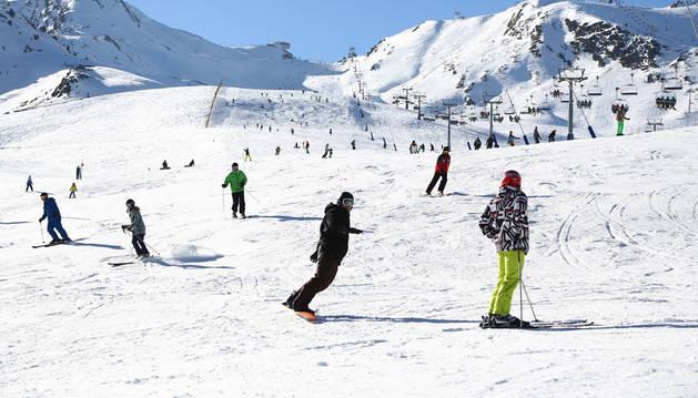 Esquiadors al sector de Pas de la Casa-Grau Roig de Grandvalira dijous passat