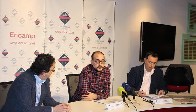 Betim Budzaku, gerent d'Andorra Turisme; Xavi Fernández, conseller de Joventut i Esports del comú d'Encamp; i Ignasi Vinós, director del departament de Joventut i Espors del comú d'Encamp