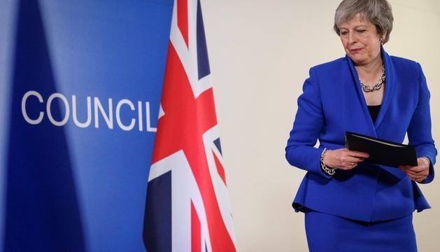 La primera ministra britànica, ahir abans d'oferir una roda de premsa.