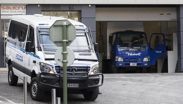 Els agents de seguretat es van personar a les oficines de l'empresa