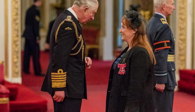 La cònsol britànica, reconeguda pel príncep Carles