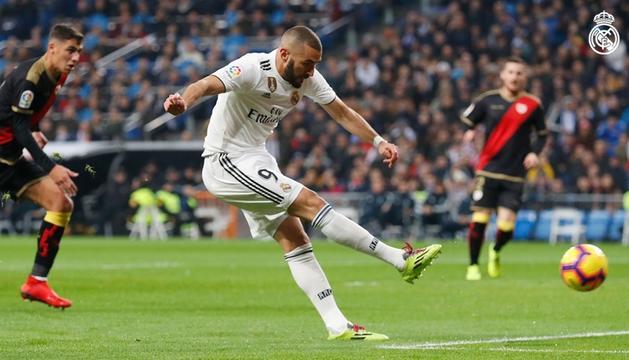 El Madrid va superar per la mínima el Rayo Vallecano amb gol de Benzema.