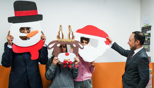 El cap de Govern i els ministres d'Afers Socials i Ensenyament han realitzat la tradicional visita de Nadal a les instal·lacions
