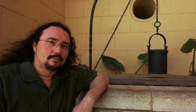 L'escriptor, que presenta la seva novetat més recent.