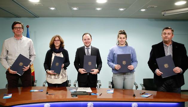 Signatura del conveni entre les empreses i el Govern, aquesta tarda