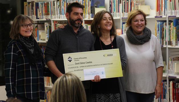 El guanyador del 9è Premi de Narrativa Fantàstica i de Terror d'Encamp, David Gálvez.