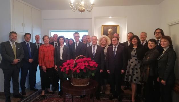 Maria Ubach, amb altres mandataris, a Madrid.