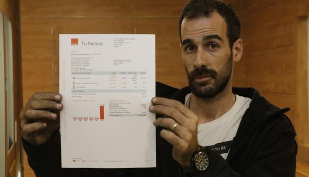 L'afectat amb la factura de 3.000 euros.