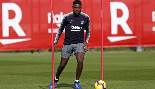 Samuel Umtiti en un entrenament amb el Barça.