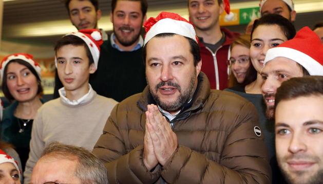 Salvini amb els pacients de l'hospital Buzzi durant les celebracions de Nadal a Milà.