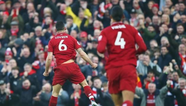 Lovren celebrant el primer gol del Liverpool.