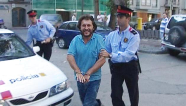 Martí Cots Saleta, el 'Rambo de la Cerdanya', en ser detingut a la Seu d'Urgell el 2001.