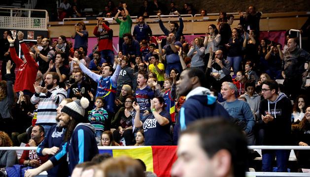 Públic durant un partit del MoraBanc Andorra al Poliesportiu.