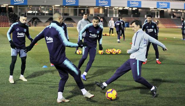 Un instant de l'entrenament previ al partit de l'FC Barcelona.