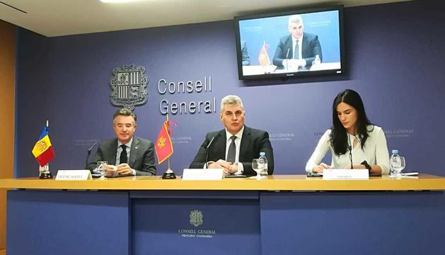 El síndic general, Vicenç Mateu, i el president del parlament de Montenegro, Ivan Brajovic, aquest matí