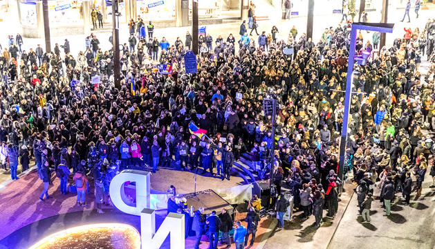 La segona protesta convocada contra el Govern va reunir 832 persones a la plaça que havia d'ubicar The Cloud.