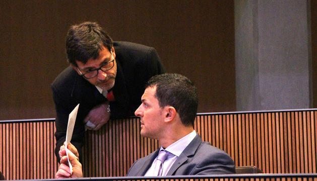 Jordi Cinca i Jordi Gallardo, moments abans de l'inici de la sessió de Consell General d'avui