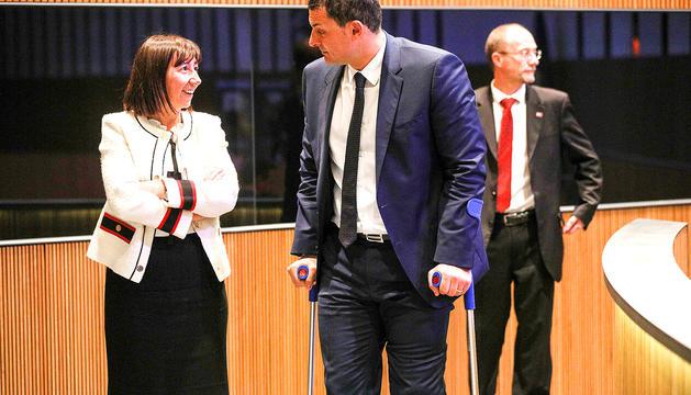 La ministra de Funció Pública, Eva Descarrega, amb el líder liberal, Jordi Gallardo, ahir.