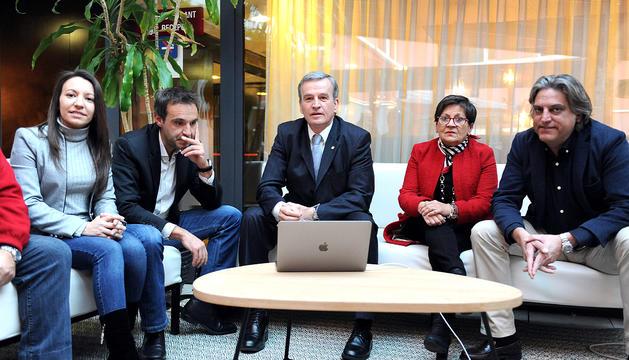 Eusebi Nomen i el seu equip, en la presentació de la llista Andorra Sobirana.