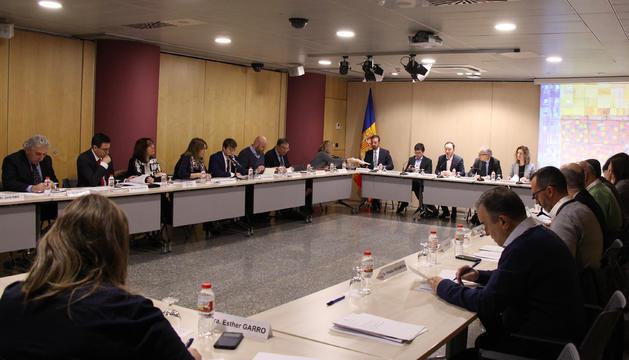 Un moment de la 3a reunió de la Comissió Nacional de l'Habitatge celebrada avui