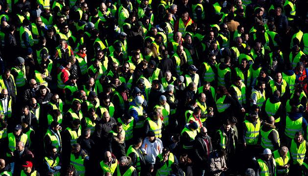 Un moment de la manifestació protagonitzada ahir pels taxistes de Barcelona.