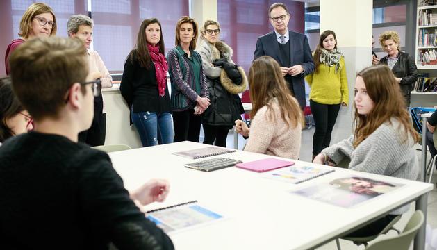 Visita del director del projecte d'Esade a l'escola andorrana