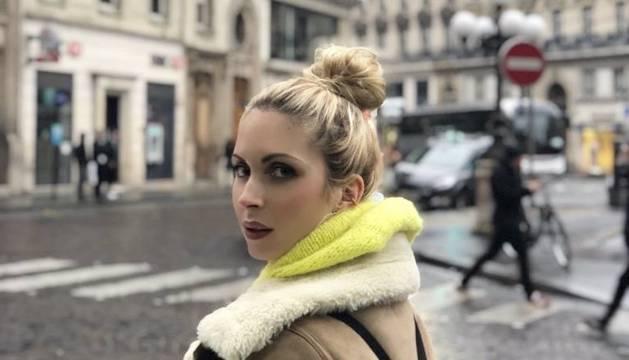 La cantant Nina M a París