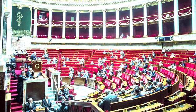 Dues diputades de l'Assemblea Nacional han preguntat a Macron sobre l'avortament a Andorra.
