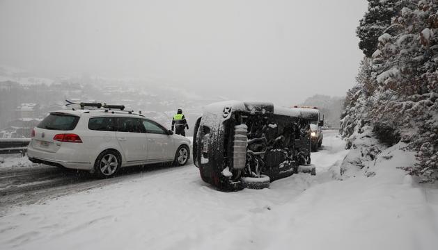 El vehicle bolcat aquest matí