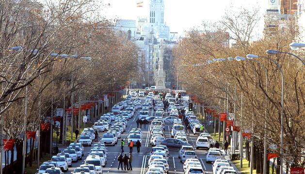 Els taxistes, bloquejant el Paseo de la Castellana.