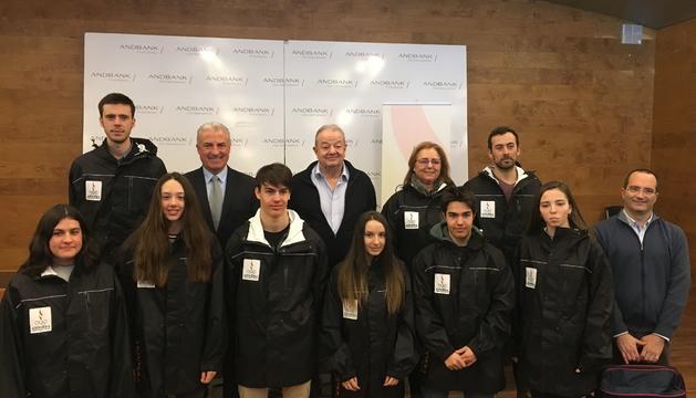 Els integrants de la delegació andorrana aquest matí a la seu d'Andbank