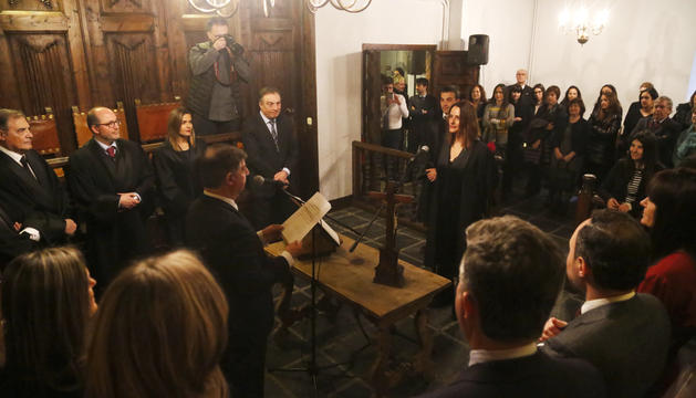 Alexandra Cornella i Xavier Colom, durant el jurament