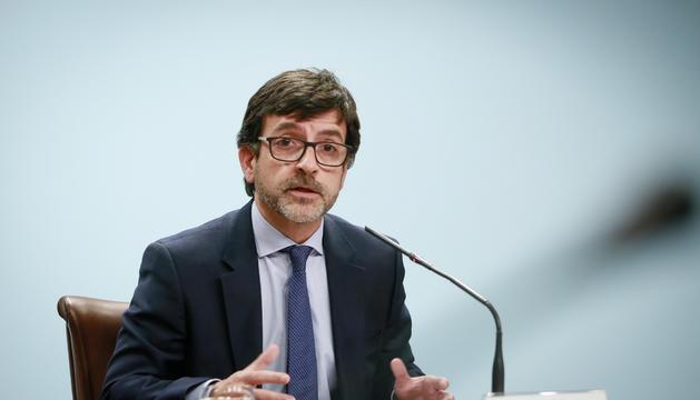 El ministre Jordi Cinca durant la roda de premsa posterior al consell de ministres, avui