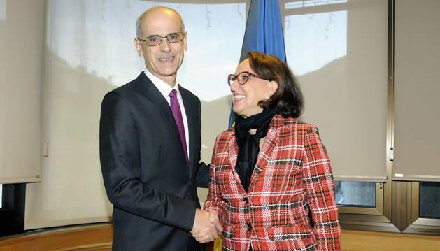 Toni Martí i Rebecca Grynspan, durant la visita al país