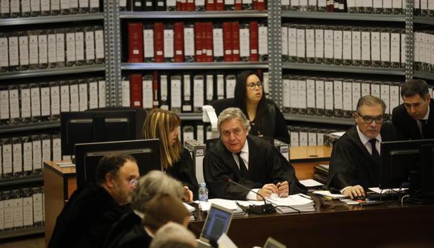 Els magistrats del Tribunal de Corts en una vista pel 'cas BPA'